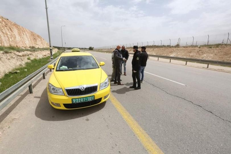 الأجهزة  الأمنية تمنع  تهريب  العمال إلى إسرائيل