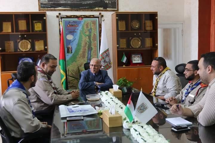 قيادة فريق الطوارئ والإغاثة الكشفي بمحافظة غزة يلتقي رئيس بلدية غزة