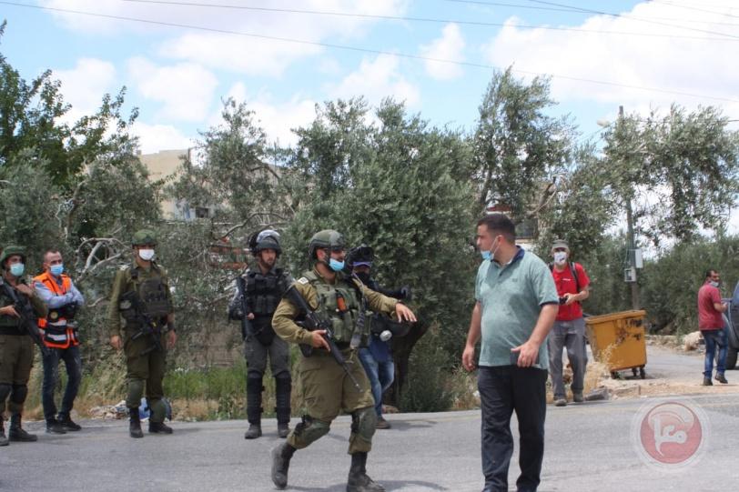 """الاحتلال يقمع مسيرة """"حارس"""" الاسبوعية"""