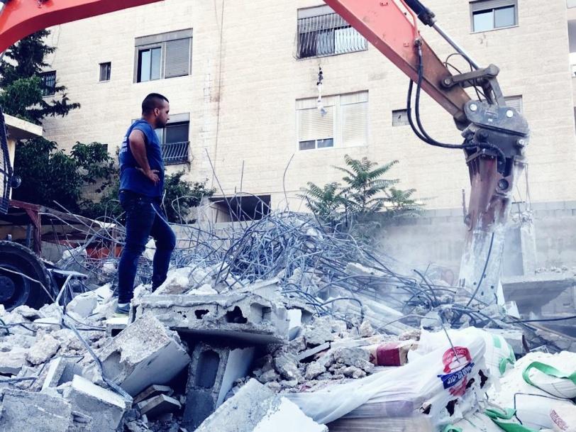 الاحتلال يهدم منزلين في بلدة الطور