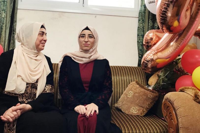 الأولى في القدس- سارة ادريس وضع الهدف والدراسة اليومية اساس التفوق