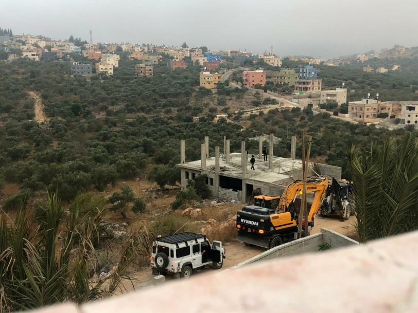 الاحتلال يهدم منزلا غرب سلفيت