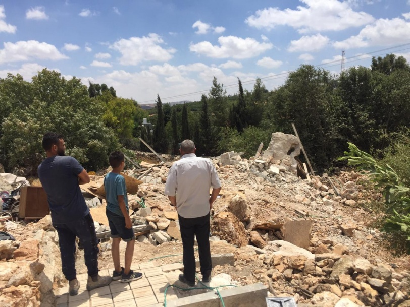صور- الاحتلال يهدم منزلين جنوب بيت لحم