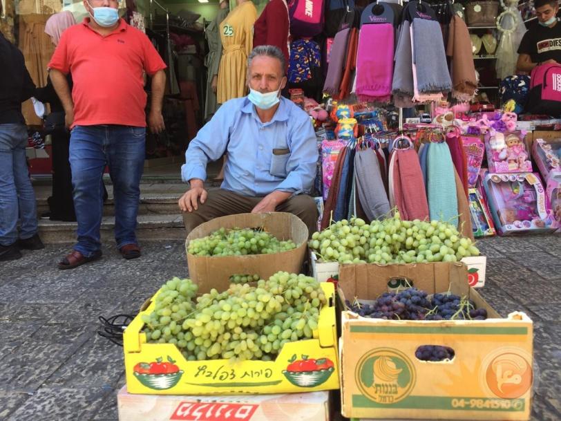 بيت لحم- مزارعو العنب يحتجون على ظروف تسويق منتجاتهم والبلدية توضح