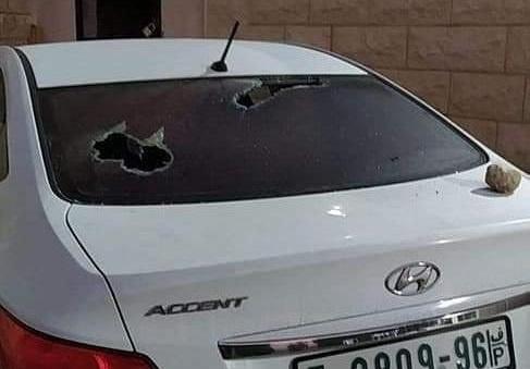 المستوطنون يحطمون سيارات الفلسطينيين شمال الضفة