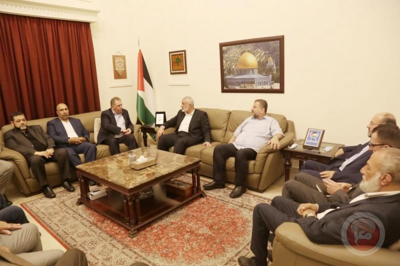 هنية يزور سفارة فلسطين في بيروت