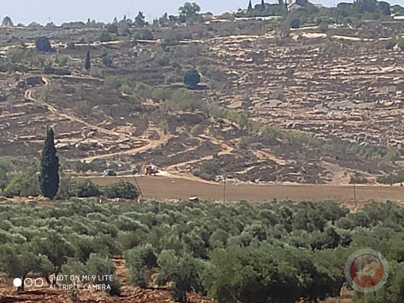 الاحتلال يمنع شق طريق زراعية جنوب نابلس
