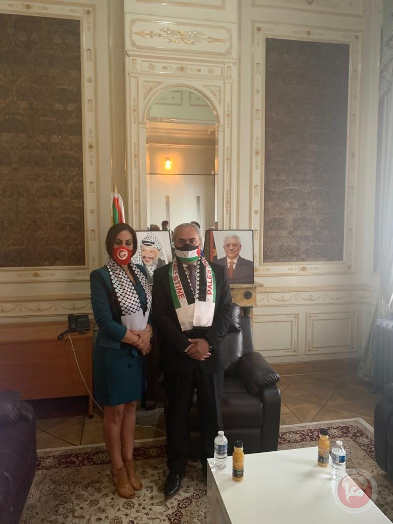 سفير فلسطين في بلجيكا يستقبل وفدا من الجاليات العربية والأجنبية