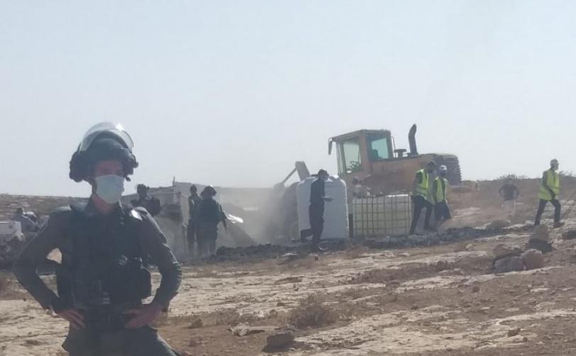الاحتلال يهدم غرف سكنية ويشرد اطفال جنوب الخليل