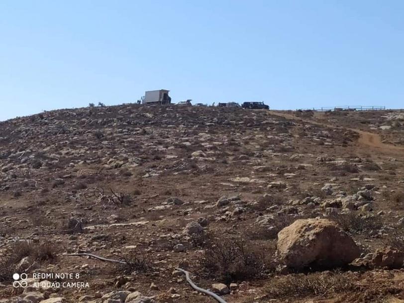 إقامة بؤرة استيطانية لتربية المواشي في بيت دجن شرق نابلس