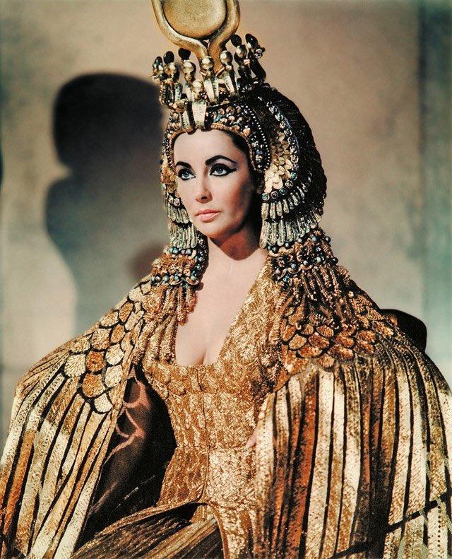 صور- ممثلة إسرائيلية تثير ضجة بعد إعلان تجسيدها الملكة كليوباترا