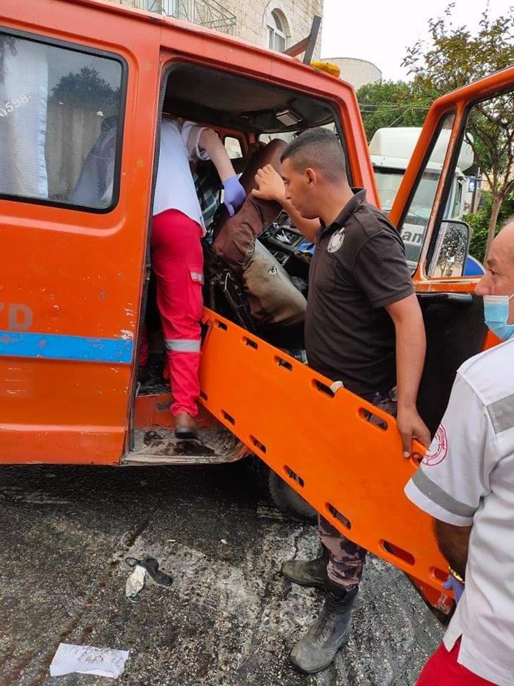 4 اصابات في حادث تصادم بين 5 مركبات في بيت لحم