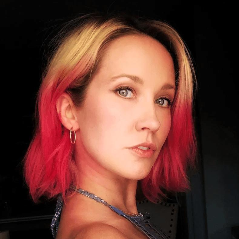 صور- ألوان شعر جريئة ومميزة موضة شتاء 2021 من إنستقرام