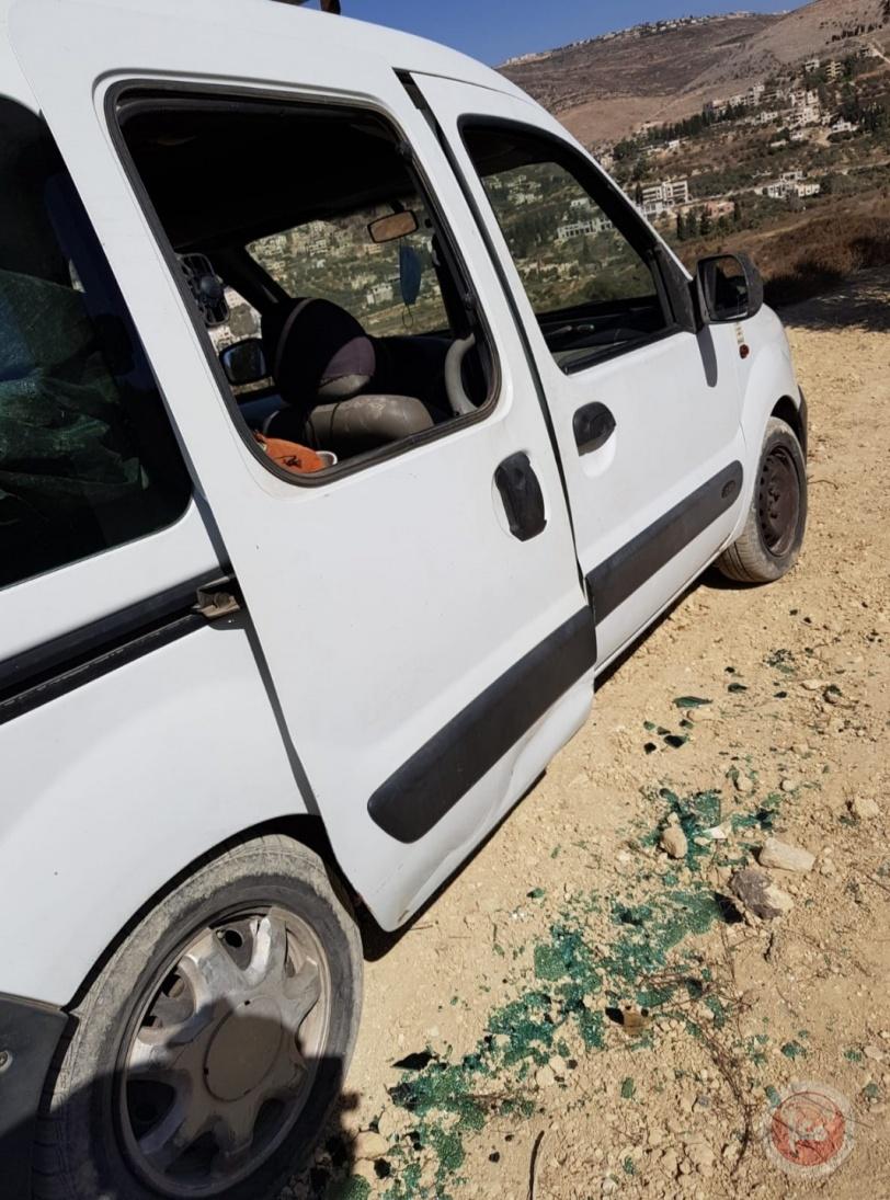 ٣ إصابات وتكسير سيارات المواطنين بهجوم للمستوطنين على بورين