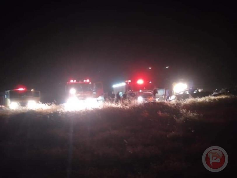 طواقم الانقاذ والاطفاء عملت حتى ساعة متاخرة على اخماد النيران في محمية واد حسكا