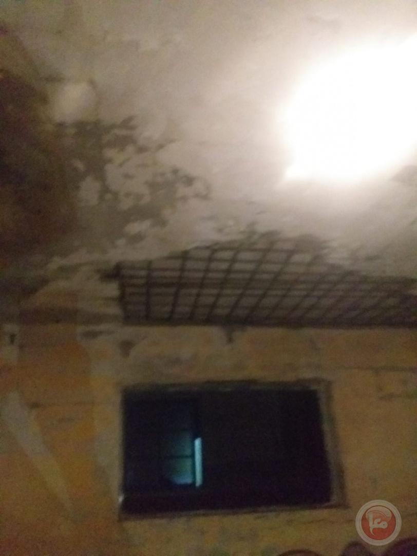 إصابة مواطن إثر انهيار جزئي في سقف منزلهم برفح