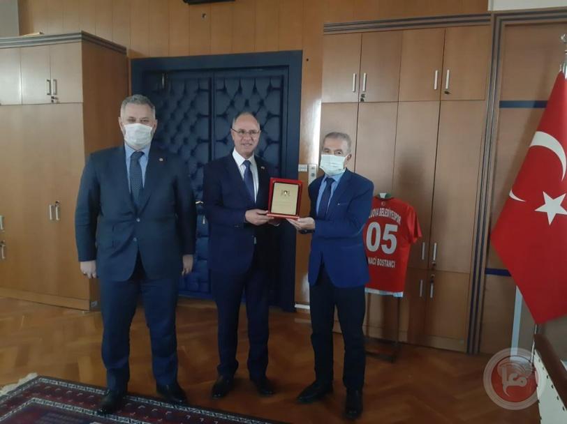 السفير مصطفى يطلع رؤساء الكتل البرلمانية التركية على الأوضاع في فلسطين