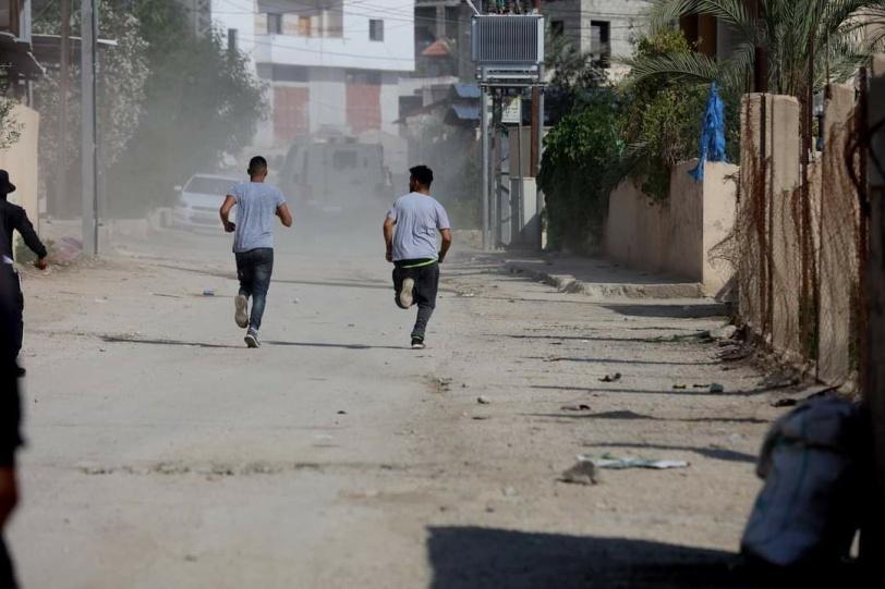 مع عودة التنسيق .. شرطة الاحتلال تعرقل السير لساعات وتنكل بالفلسطينيين