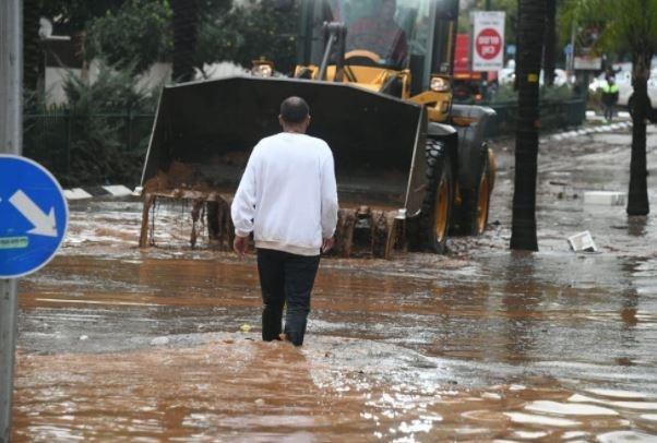 منسوب مياه الأمطار فاجأ الراصد الاسرائيلي .. السيول جرفت وأغرقت