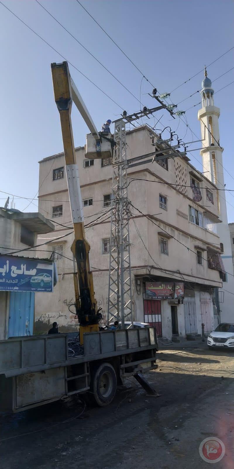 غزة.. القصف يخلّف دمارا كبيرا بشبكات الكهرباء