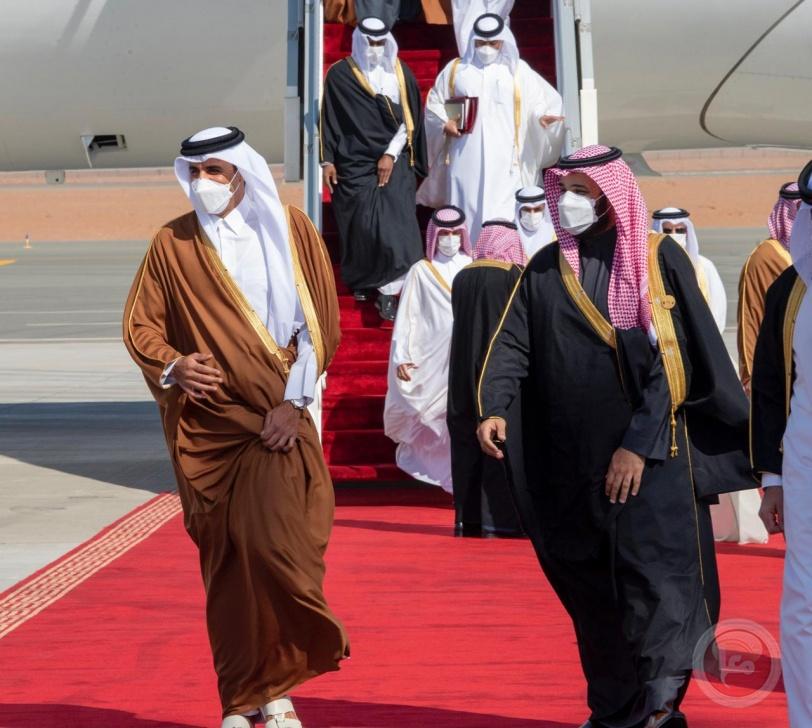 شاهد- عناق كبير بين أمير قطر وولي العهد السعودي