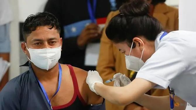 """بلقاح محلي.. الهند تطلق """"أكبر"""" حملة تطعيم بالعالم ضد كورونا"""
