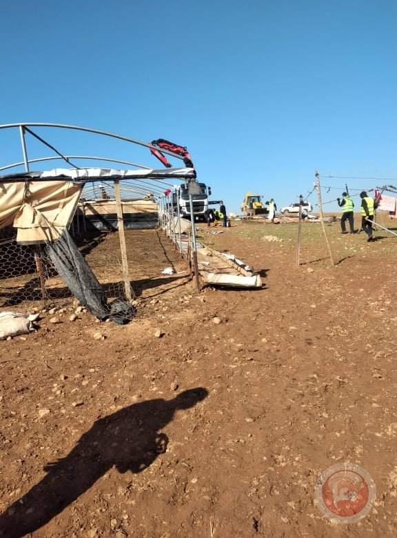 الإحتلال يواصل التدمير بالاغوار: تهجير 11 عائلة وتدمير عشرات المنشآت