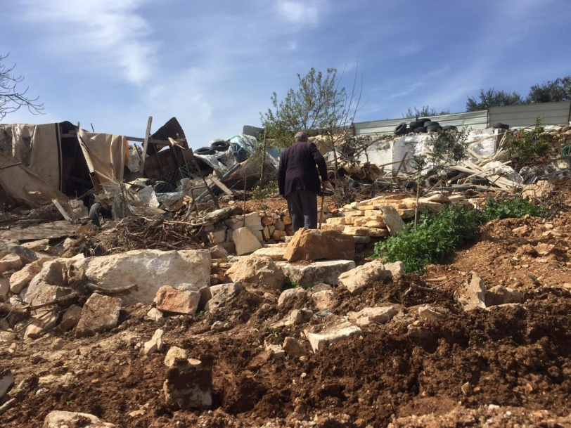 قوات الاحتلال تهدم عددا من البيوت الزراعية جنوب بيت لحم