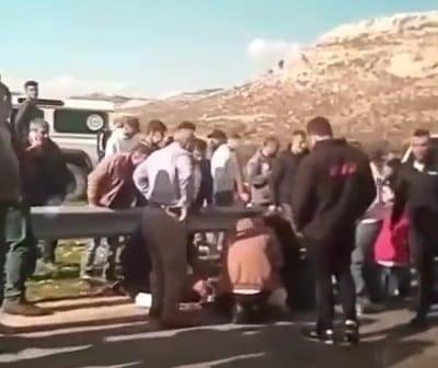 (شاهد) مصرع مواطنين وإصابة 4 بحادث سير شرق الخليل