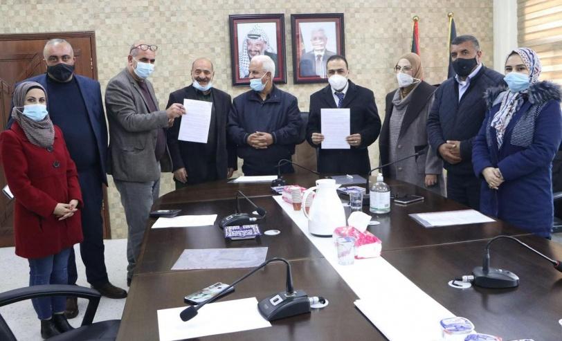 توقيع اتفاقية لتوريد محطة اوكسجين لمشفى دورا الحكومي