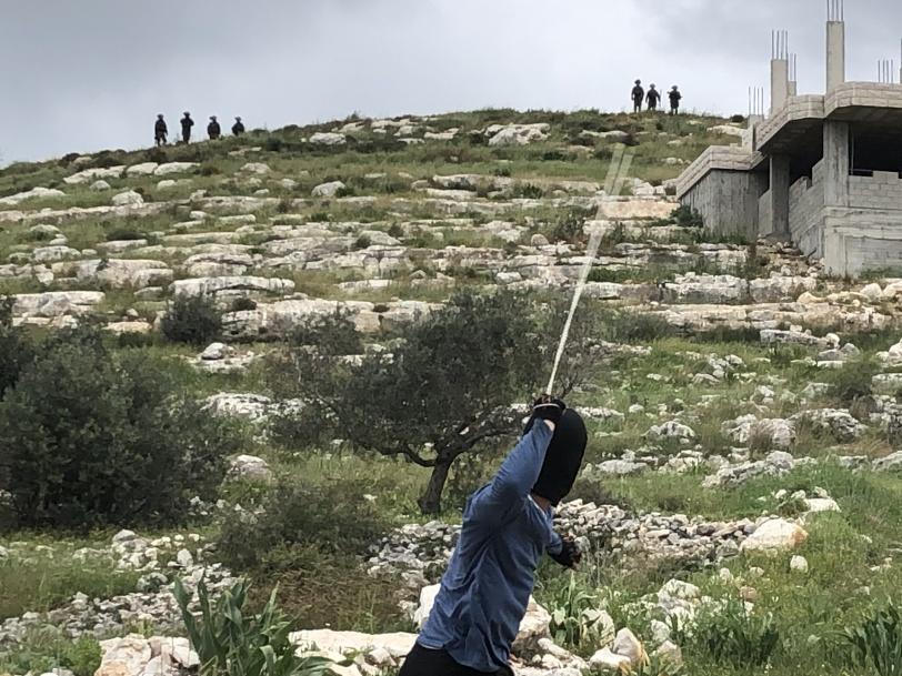 اصابة فتى بقنبلة والعشرات بالاختناق خلال قمع الاحتلال لمسيرة كفر قدوم