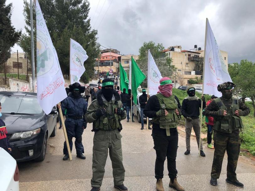 رام الله تودّع القيادي في حركة حماس عمر البرغوثي بجنازة مهيبة