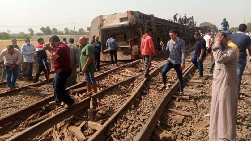 109 مصابين بحادث خروج قطار عن مساره في مصر