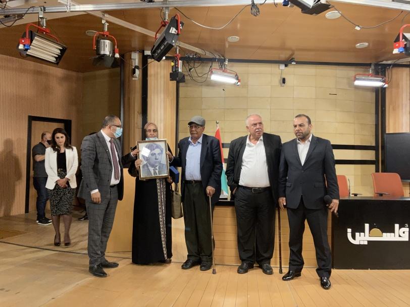 أبو سيف يقلد عددا من المبدعين وسام الثقافة والعلوم والفنون