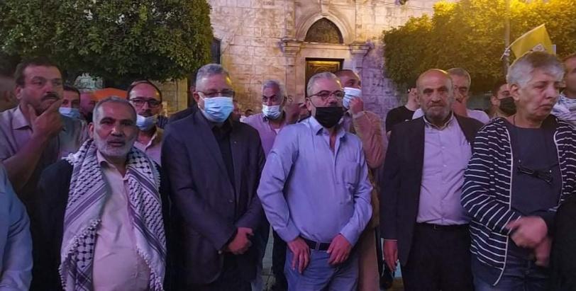 وقفة حاشدة وسط طولكرم دعما لأهلنا في القدس ولقرار القيادة