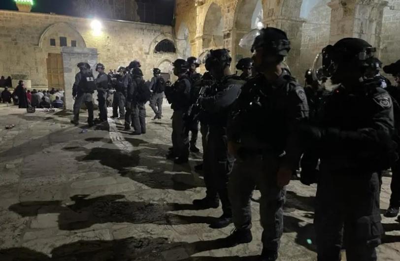 مواجهات الأقصى- 205 اصابة واعتقالات ومنع الاسعاف من الوصول للمصابين