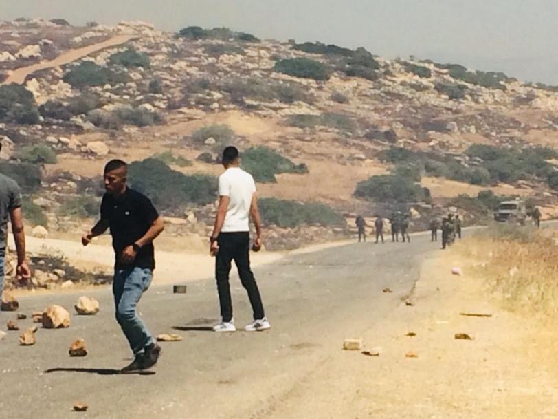 """10 اصابات بنيران الاحتلال عند حاجز """"تياسير"""" في الاغوار"""