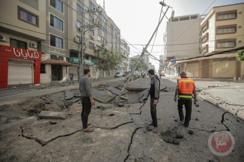 بلدية غزة: استهداف الاحتلال ل 40 شارعا ومفرقا يفاقم الأوضاع الإنسانية ويعيق حركة طواقم الطورائ