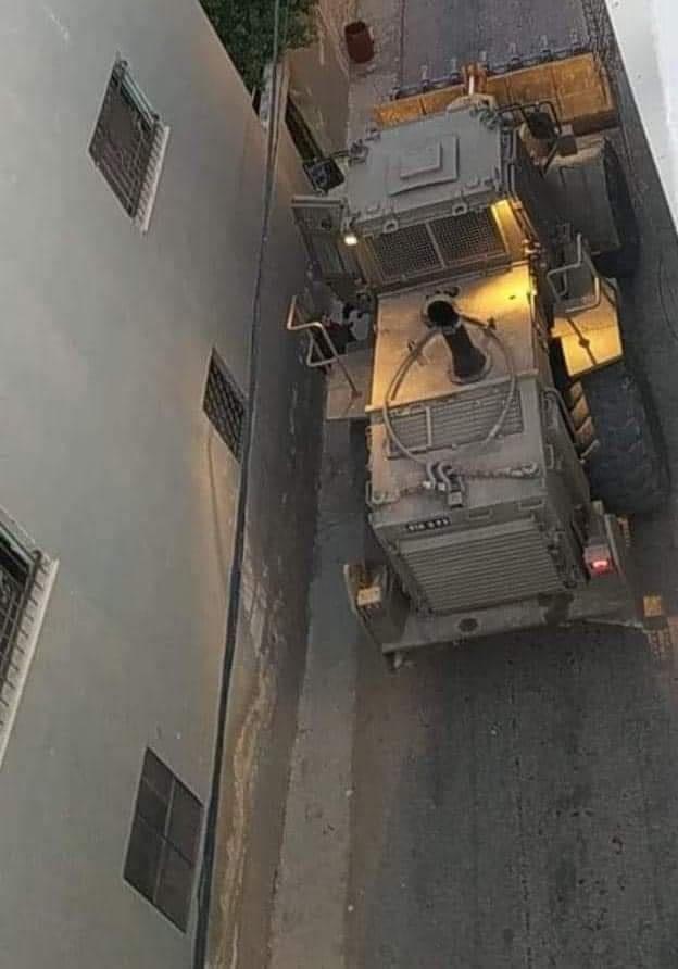 الإحتلال يشن حملة اعتقالات ومداهمات بعد إطلاق النار على مستوطن بنابلس