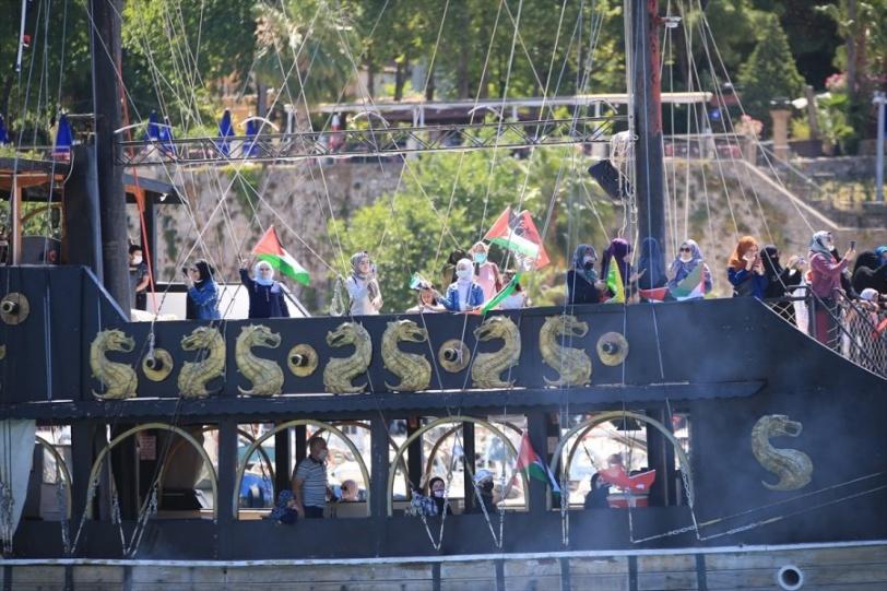 """تركيا.. مسيرة قوارب  لإحياء ذكرى """"مافي مرمرة"""" ودعم فلسطين (صور)"""