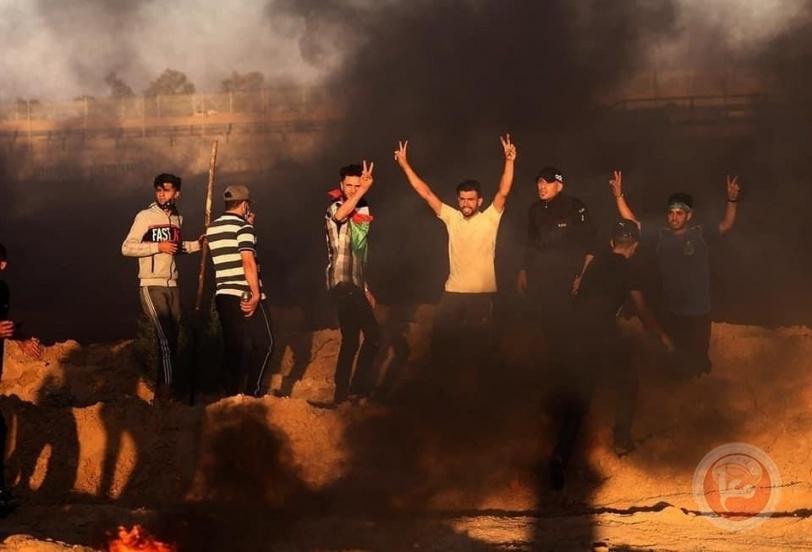 اصابة شاب برصاص الاحتلال شرق خان يونس وبدء فعاليات الارباك الليلي