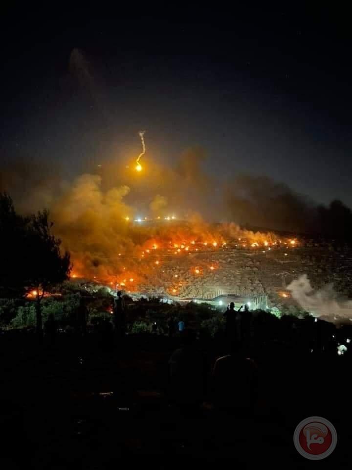 """مئات المواطنين يشاركون بـ""""الارباك الليلي"""" على جبل صبيح"""