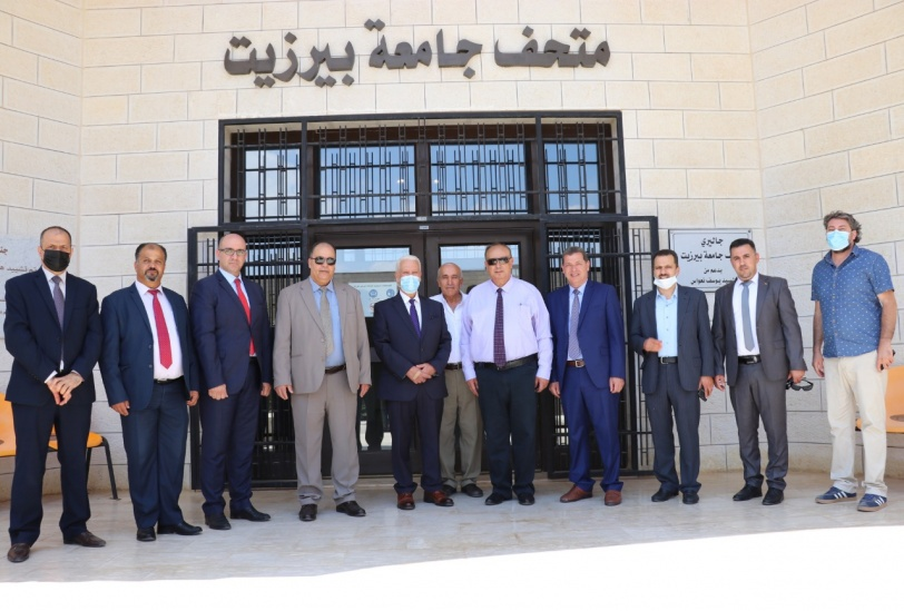 أبو مويس يطّلع على أوضاع العملية التعليمية في جامعة بيرزيت