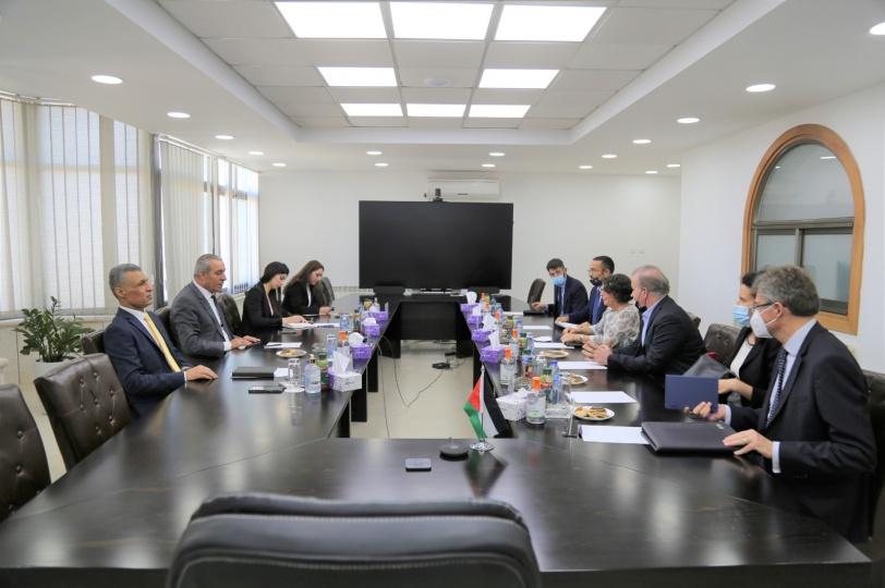 الشيخ يلتقي نائبة وزير الخارجية والتعاون الدولي الإيطالي
