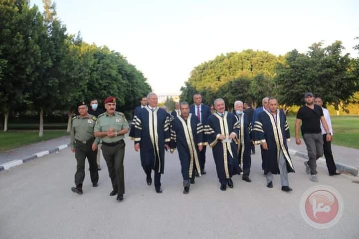 """جامعة الاستقلال تحتفل بتخريج فوج """"حي الشيخ جراح"""""""