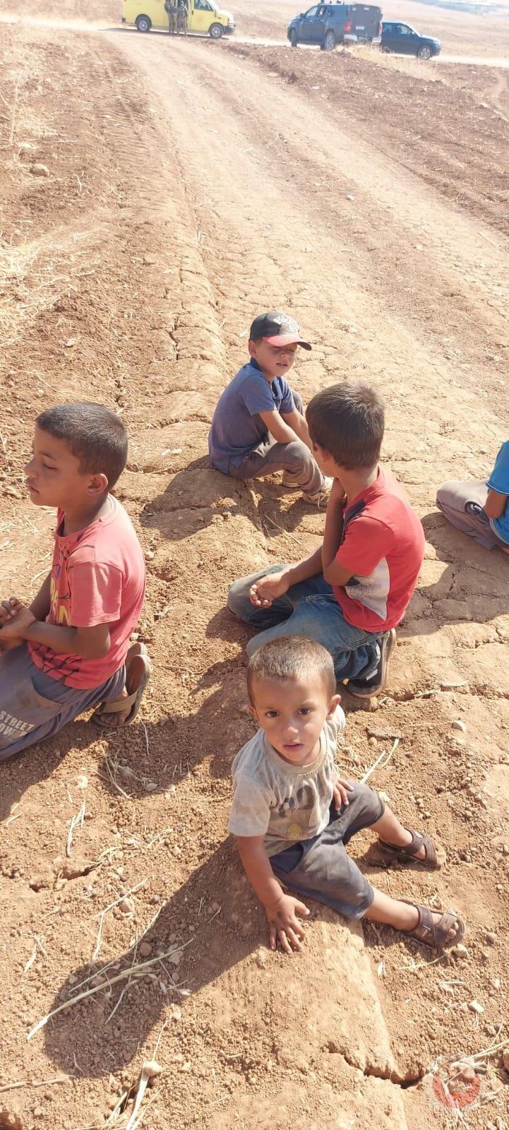 الاحتلال يهدم بركة مياه شرق نابلس