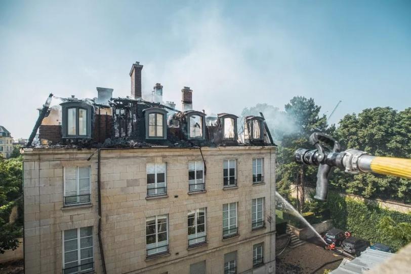 حريق قرب مقر رئيس الوزراء الفرنسي وسط باريس