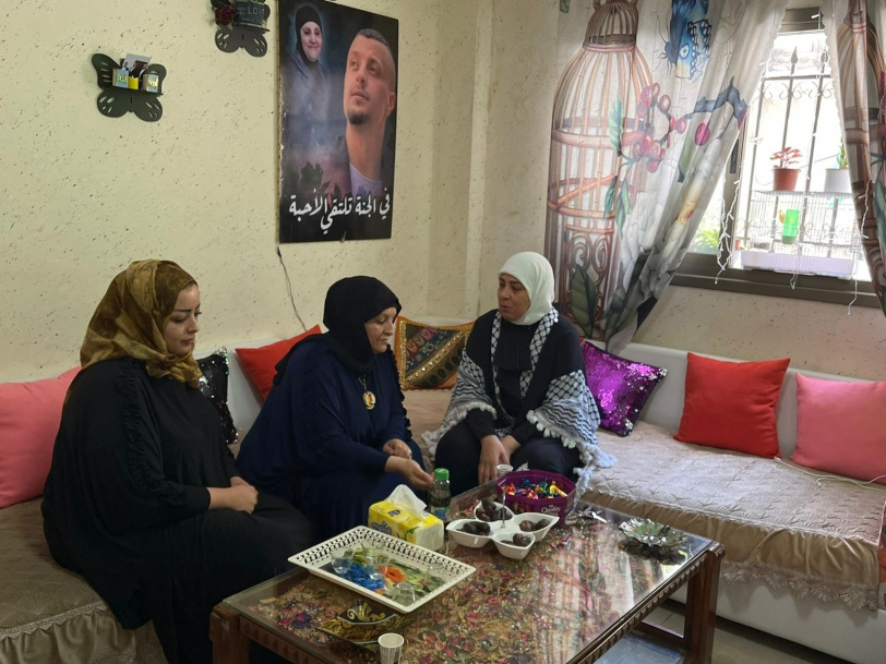 غنام تعايد على عائلات شهداء وتزور اسرى محررين