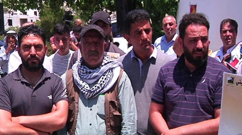 اعتصام تضامني مع الأسرى المضربين عن الطعام في الخليل
