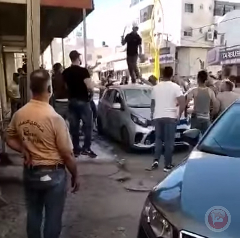 على خلفية مقتل مواطن: إحراق 12 محلا و4 سيارات في الخليل